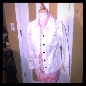 Fitted cream jean jacket